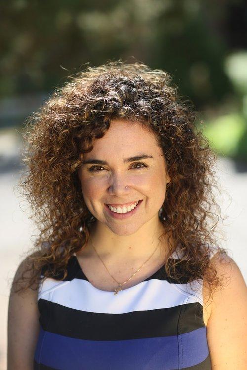 Laura Perez - Headshot.jpg