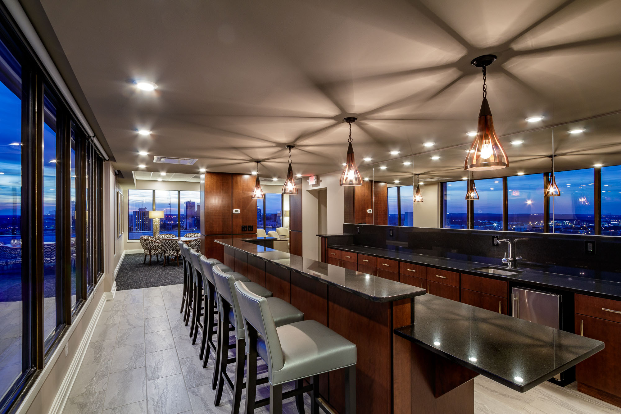 Heritage-PenthouseBar-2-oswalddesign-Lres.jpg
