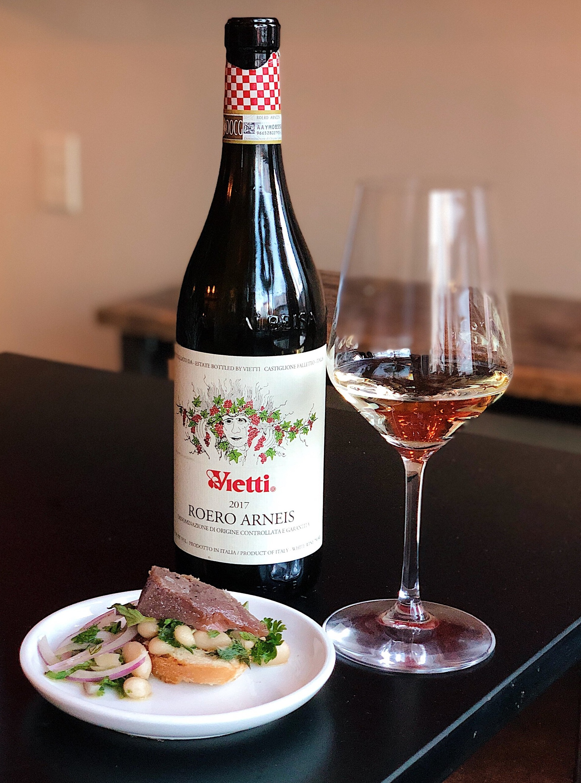 Wine_wise_walk_portland_maine_lolita_Vietti_white.jpg