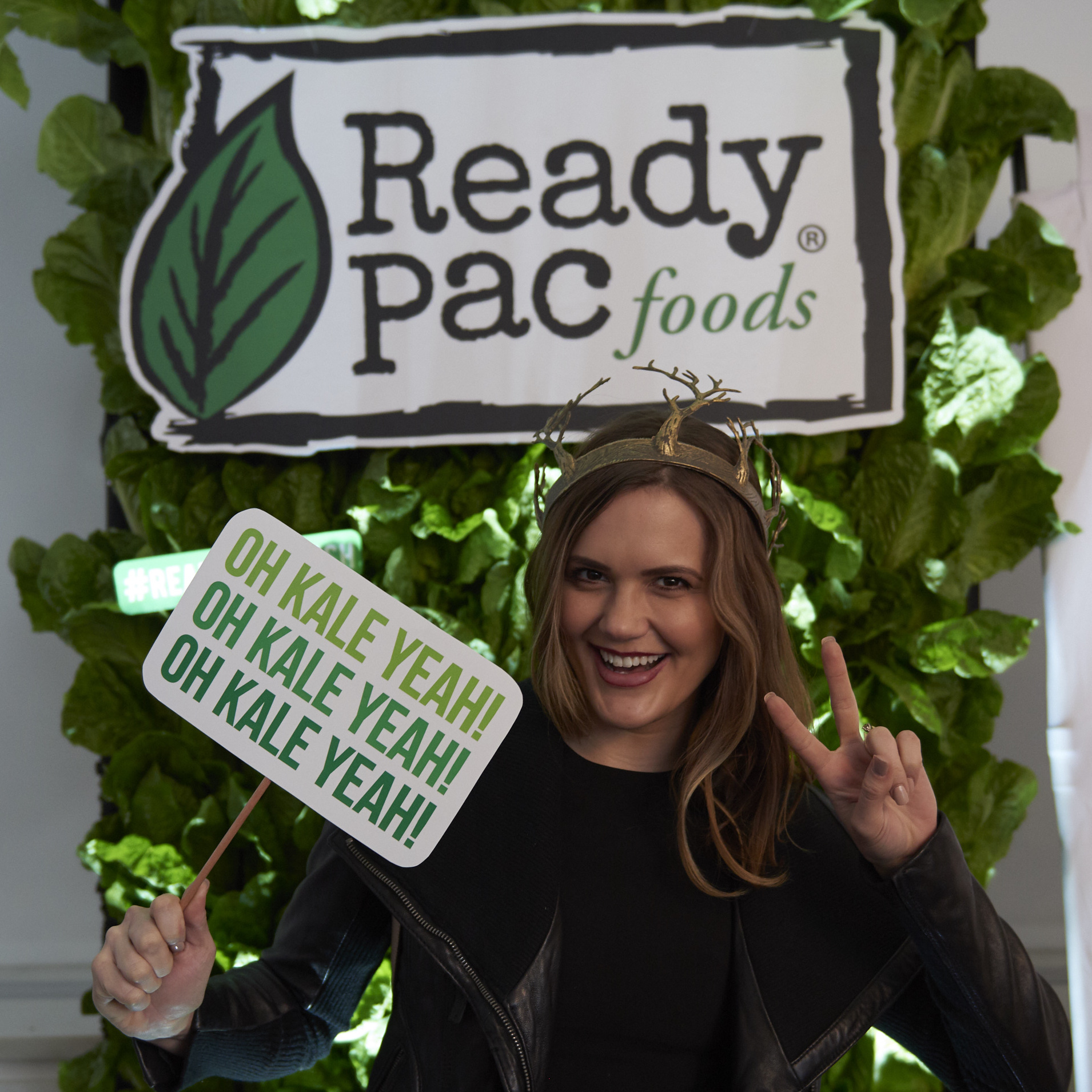 Lettuce Wall Selfies with Ready Pac Foods