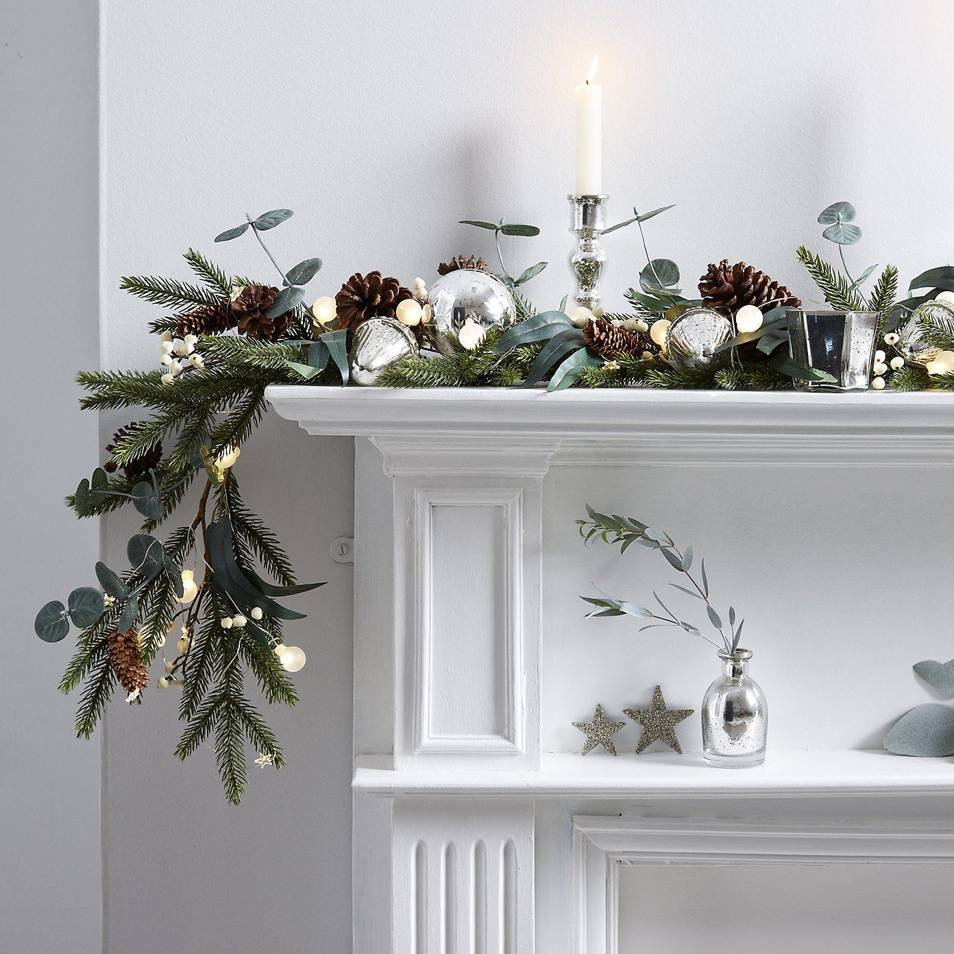 eucalyptus_mantle_christmas_garland.jpg