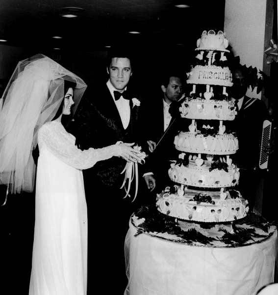Elvis-Presly-Wedding-Cake
