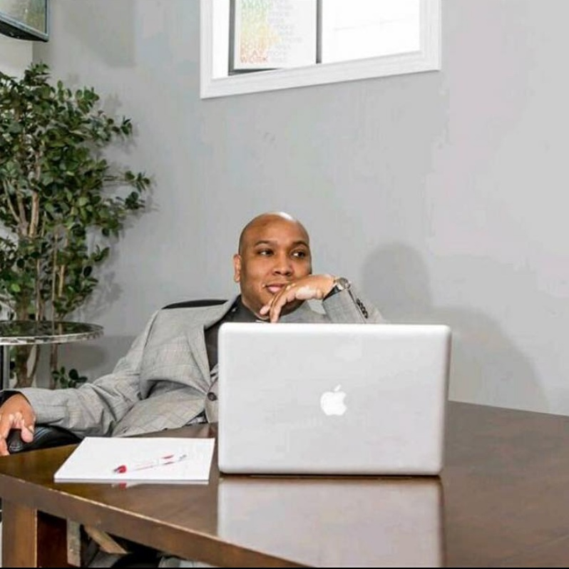 Problem - While The 850 Life's founder, Remus Jackson IV has worked with over 1,000 client nationwide, he wanted to attract even more customers on social media. He knew how to help people increase their credit scores but he struggled with connecting with new clients and promoting his services in the social media space.