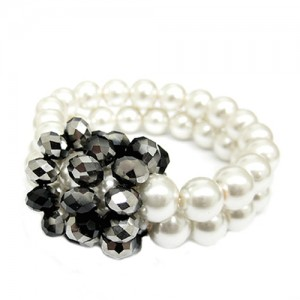 hnb92181-cream-pearl-with-jet-and-silver-mixed-glass-crystal-double-stretch-bracelet_2_12.jpg