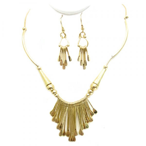 gold-intricate-tribal-design-necklace-and-earrings-set_10.jpg