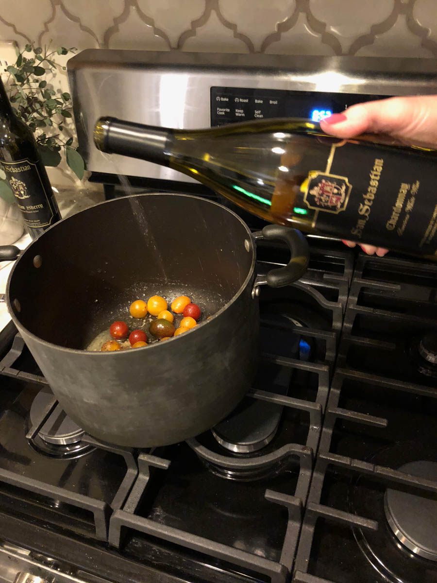 Cooking tomatoes with wine