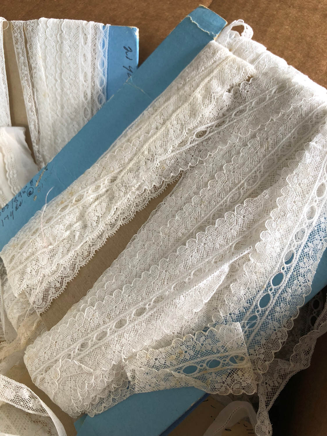 vintage lace on roll