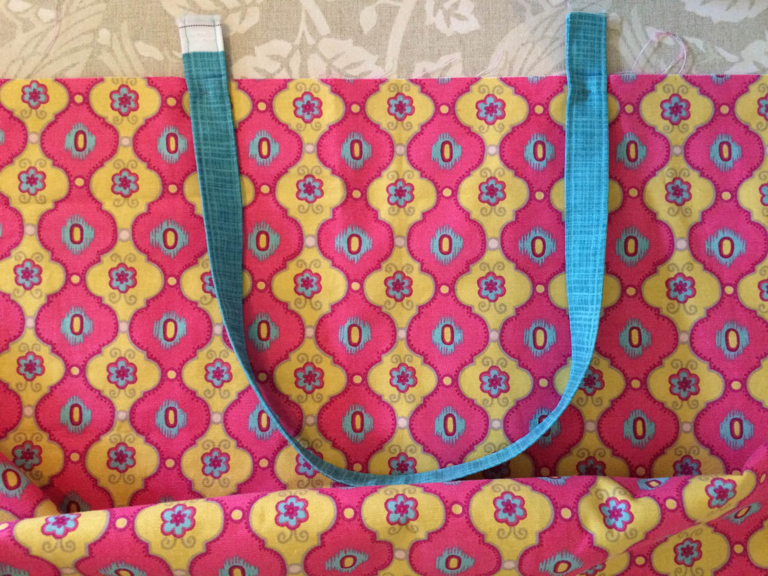 placement of tote bag straps