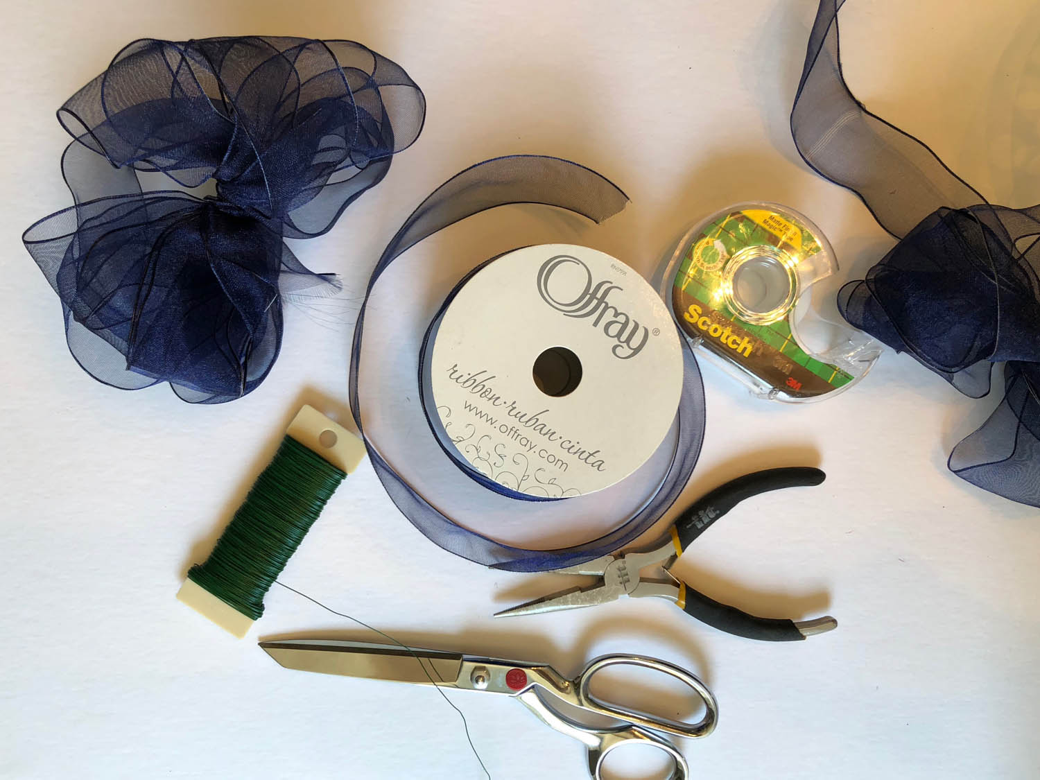 2-supplies-needed-for-blue-ribbon-bow.jpg