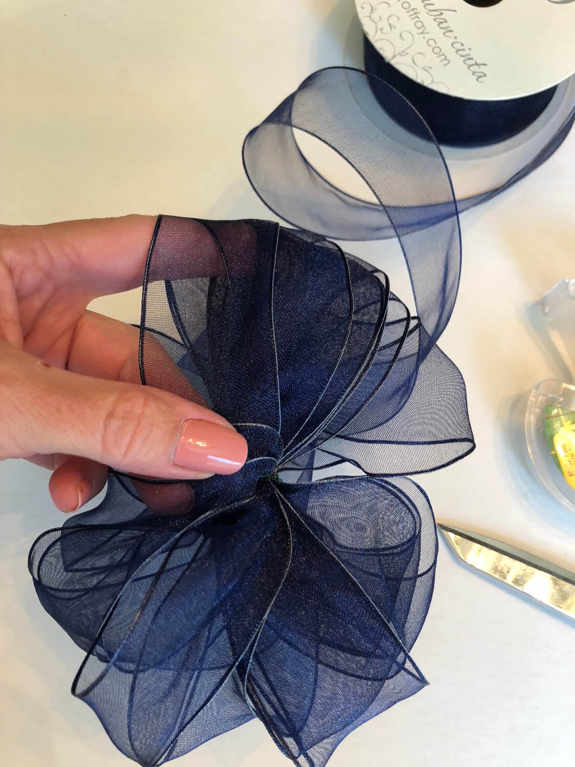 making a wire edged ribbon bow