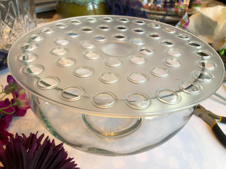 Bow K base set on a glass bowl for simple centerpiece arrangements