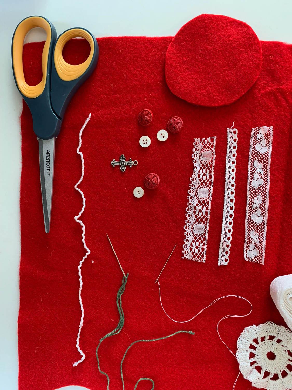 scissors felt embroidery floss charm buttons lace trims