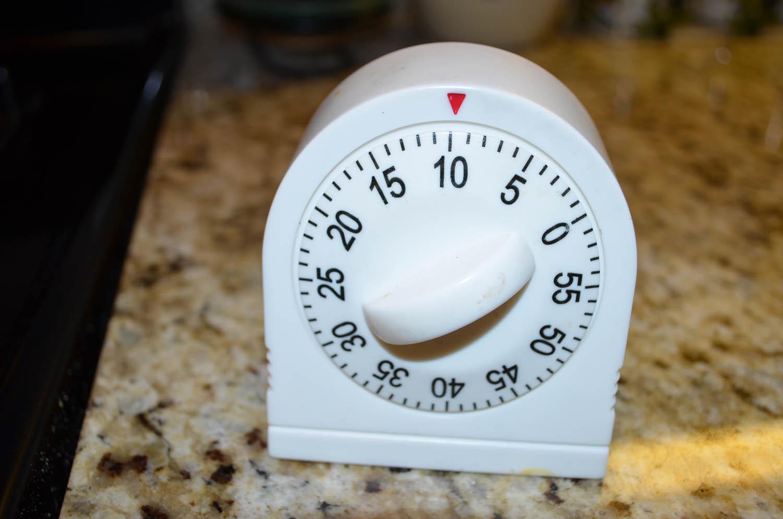 kitchen timer set for 10 minutes