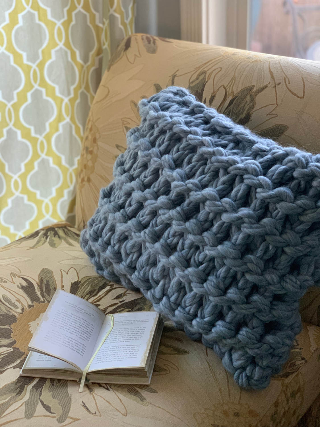 Have you tried knitting with jumbo yarn? - If so I'd love to see what you've made!