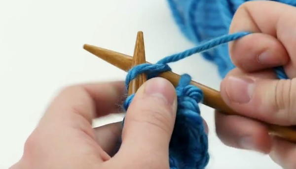 knitting needle knitting next stitch to be bound off