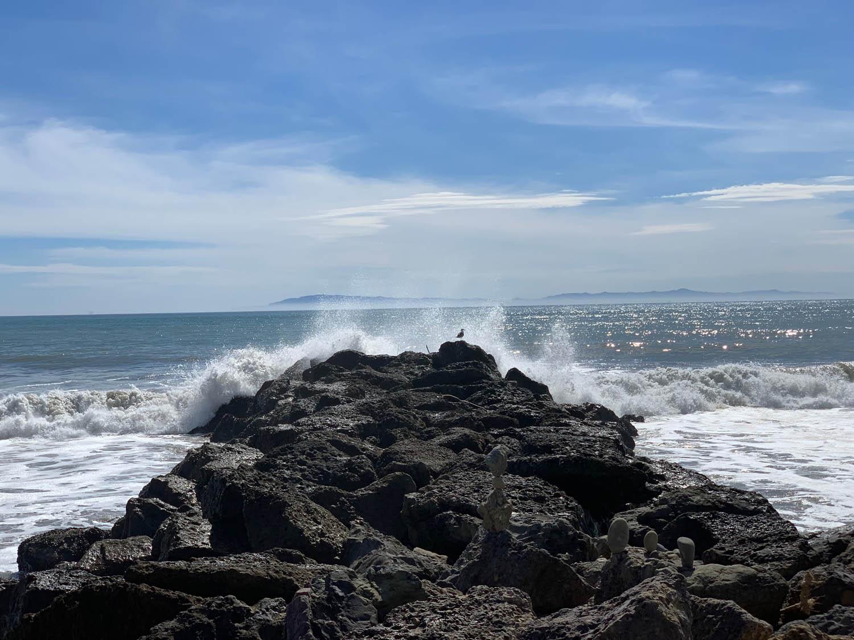 ventura beach splashing waves