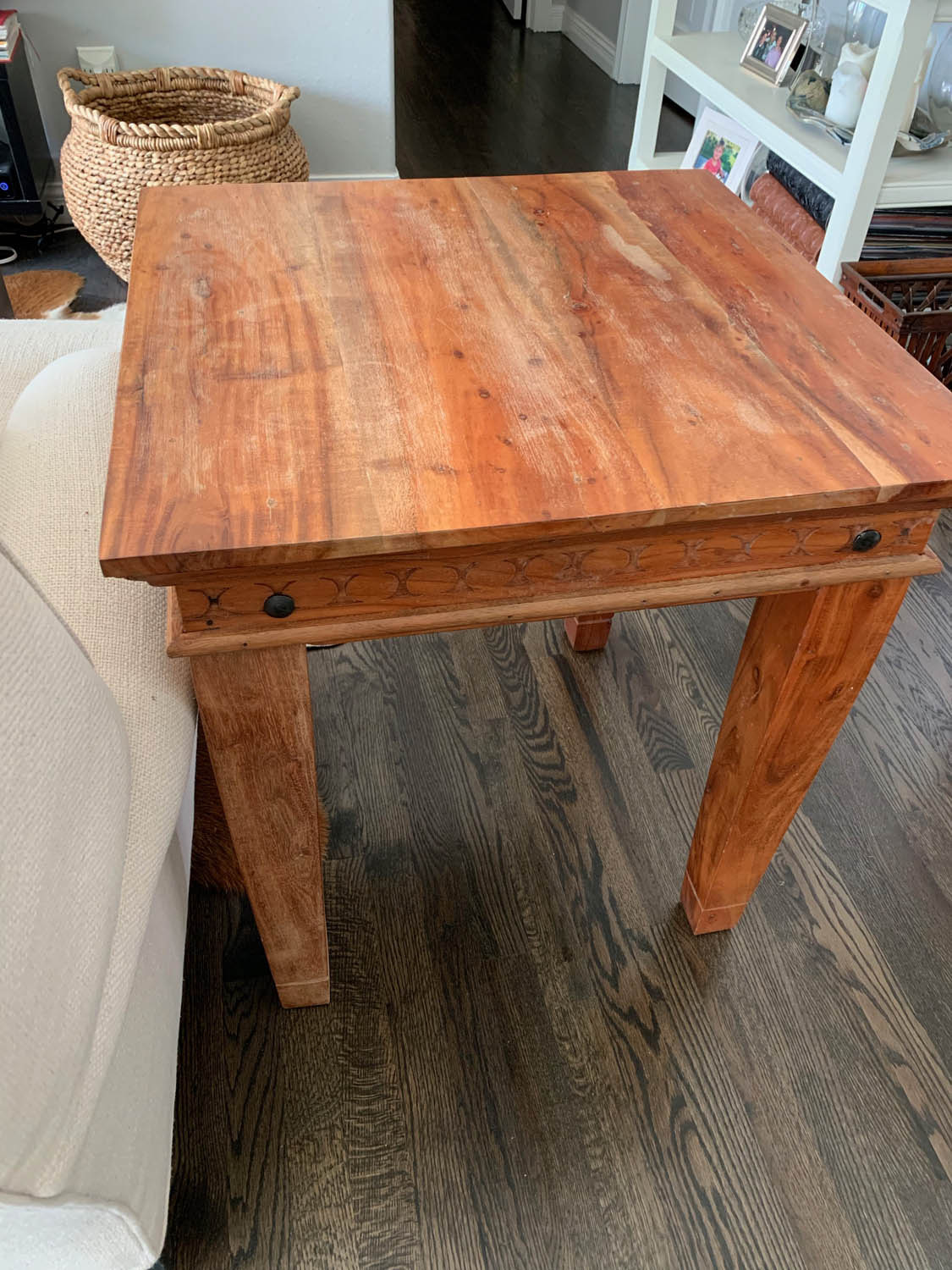 worn end table before thrifty chalk paint applied