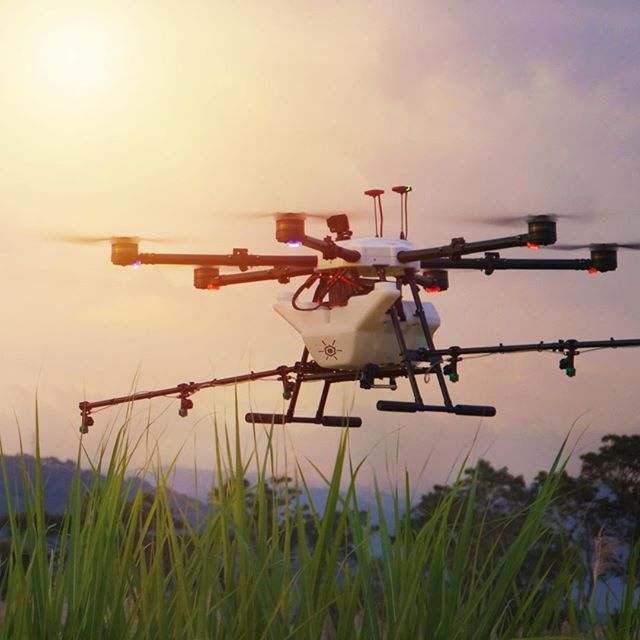 Crop Spraying. Re-imagined. ⠀⠀⠀⠀⠀⠀⠀⠀⠀ ⠀⠀⠀⠀⠀⠀⠀⠀⠀ #drones #dronestagram #agriculture #spraying #fertilizer #technology #science #drone #dronegear #dronelife #droneporn #crops #sugarcane #elsalvador #sustainability #ecofriendly #business #flight #innovation #autonomous #hylio