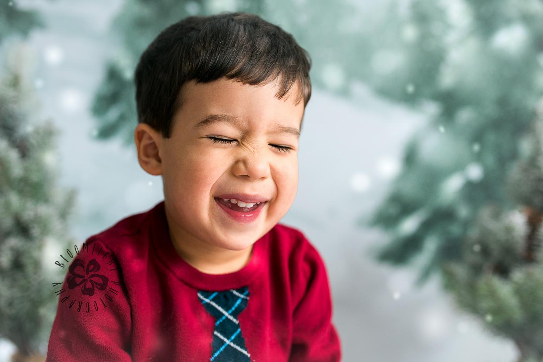 Toronto-NorthYork-Christmas-Minis-Holiday-Photographer-baby-children-kid-photo (8).jpg