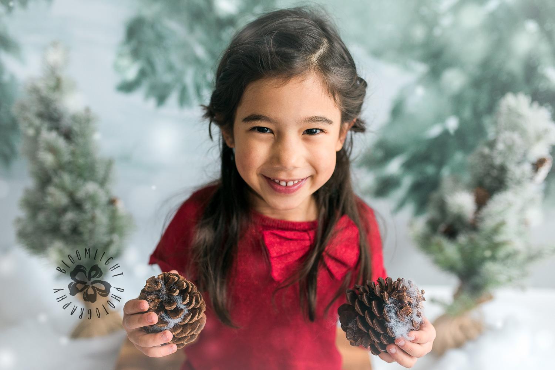 Toronto-NorthYork-Christmas-Minis-Holiday-Photographer-baby-children-kid-photo (11).jpg