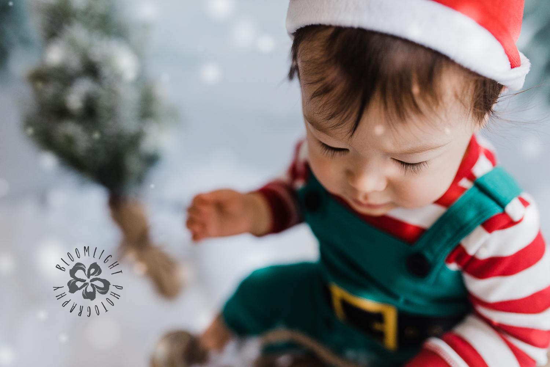 Toronto-NorthYork-Christmas-Minis-Holiday-Photographer-baby-children-kid-photo (18).jpg