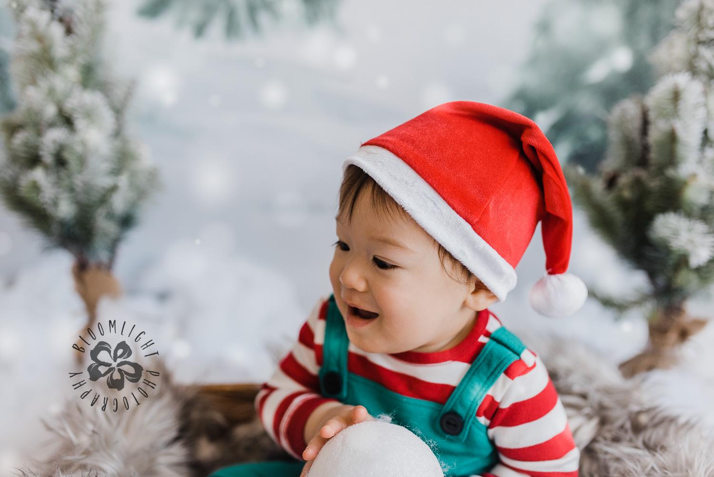 Toronto-NorthYork-Christmas-Minis-Holiday-Photographer-baby-children-kid-photo (21).jpg