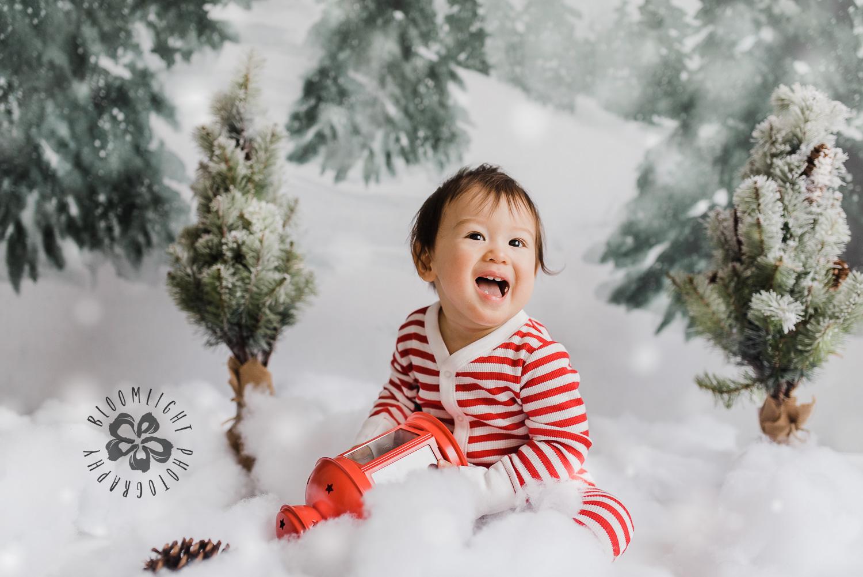 Toronto-NorthYork-Christmas-Minis-Holiday-Photographer-baby-children-kid-photo (29).jpg