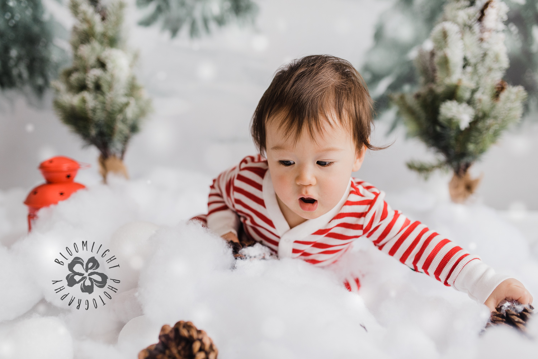 Toronto-NorthYork-Christmas-Minis-Holiday-Photographer-baby-children-kid-photo (30).jpg