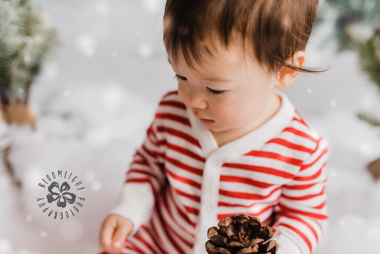 Toronto-NorthYork-Christmas-Minis-Holiday-Photographer-baby-children-kid-photo (32).jpg