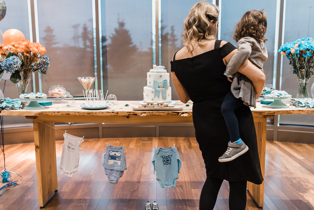 North York-baby-shower-photography-with-blue-color-theme (24).jpg