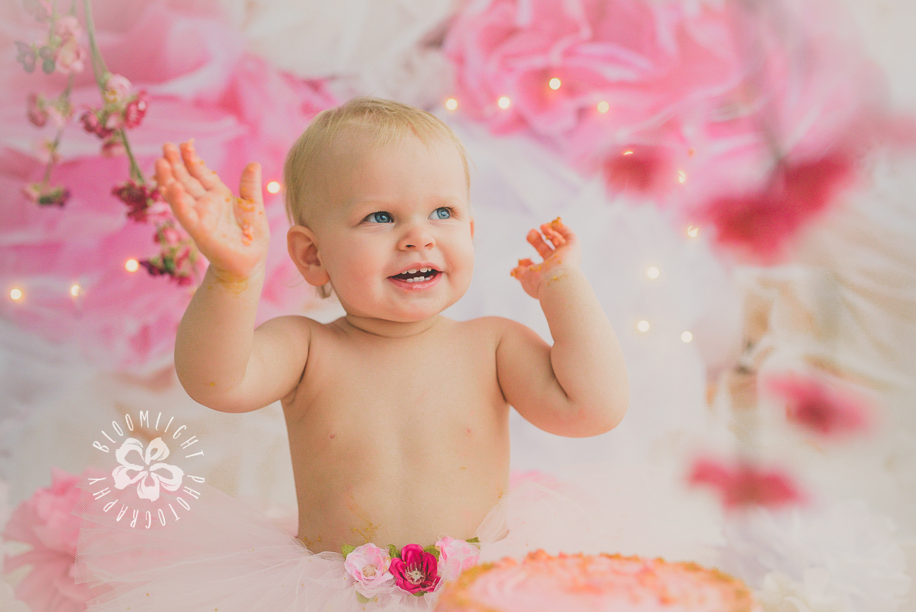 North York and Toronto baby birthday cake smash photo with Spring and blossom theme (5).jpg