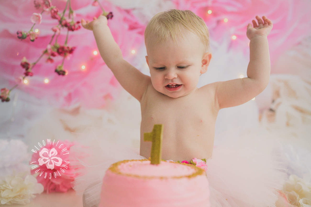 Toronto baby turn one year old in her spring theme  old  cake smash photography (1).jpg