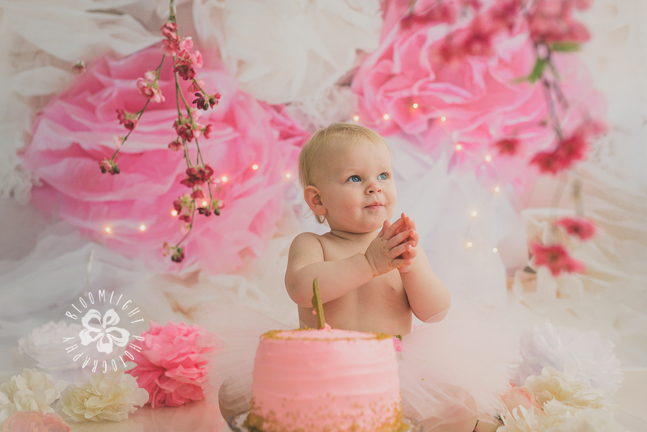 Toronto baby turn one year old in her spring theme  old  cake smash photography (2).jpg
