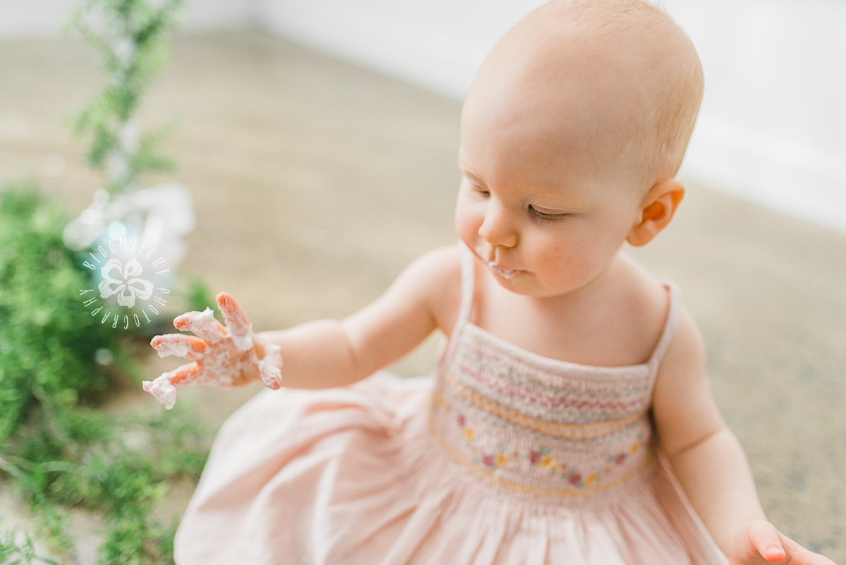 picture of baby at her first birthday cake smash
