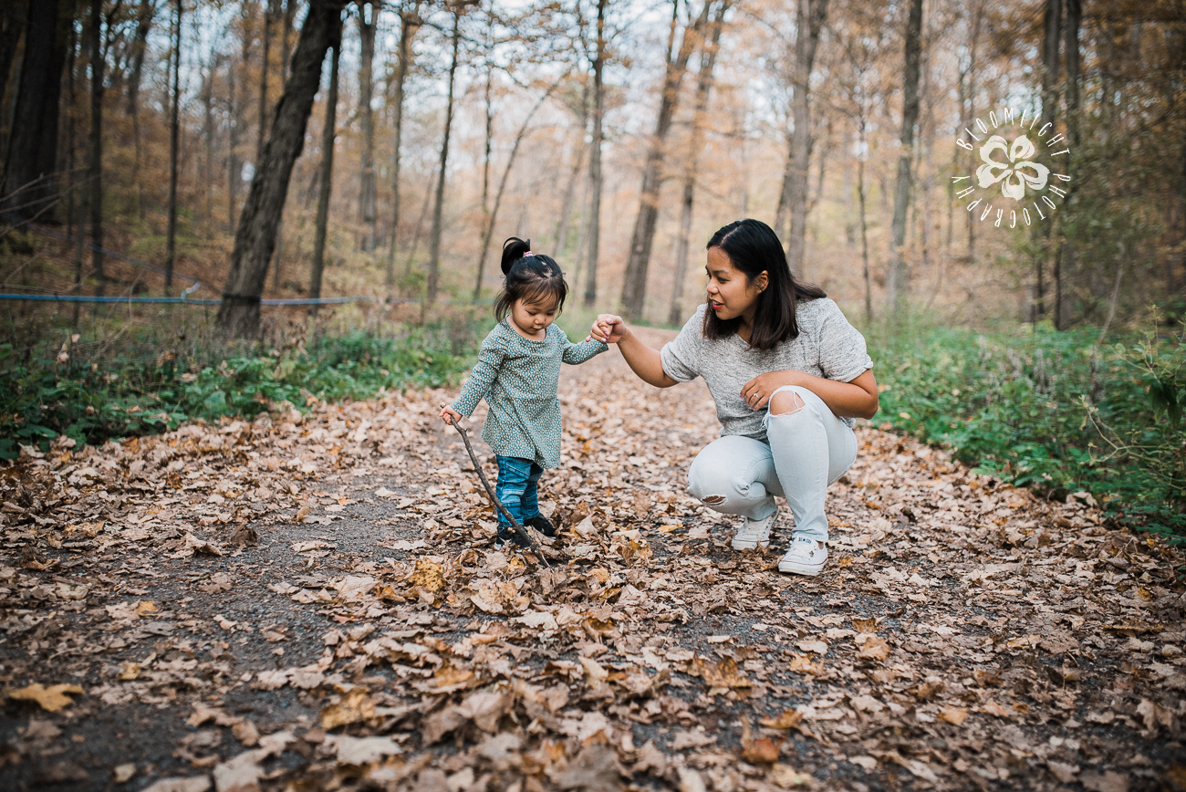 fall-picture-woods-mommy-me-family-photo-Toronto.jpg