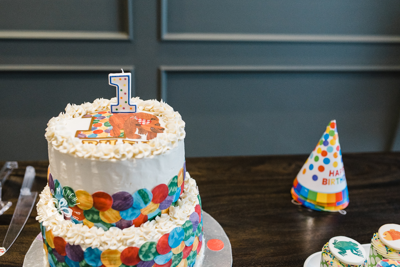Baby-birthday-cake-number-one-candle.jpg