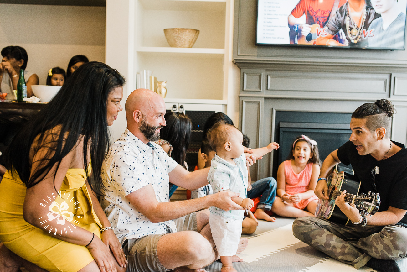 live-music-baby-party-pictures-Toronto-Lifestyle-family-photographer.jpg
