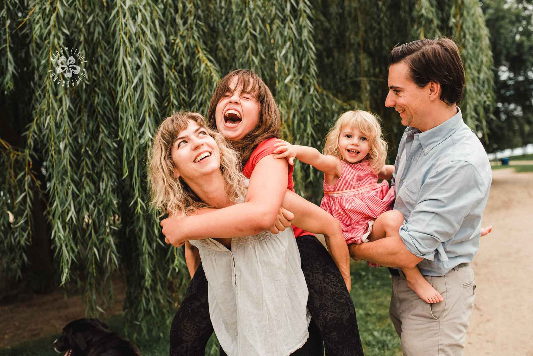 family-picture-filled-with-laughter-Toronto-Lifestyle-Photographer.JPG
