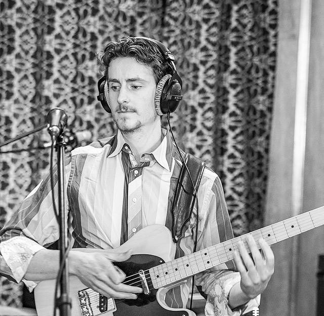 WARREN THOMAS FENZI // SINGER & SONGWRITER