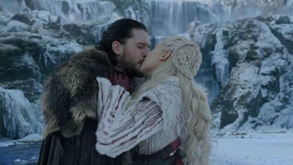 Jon Snow and Daenerys are so in love and so related.