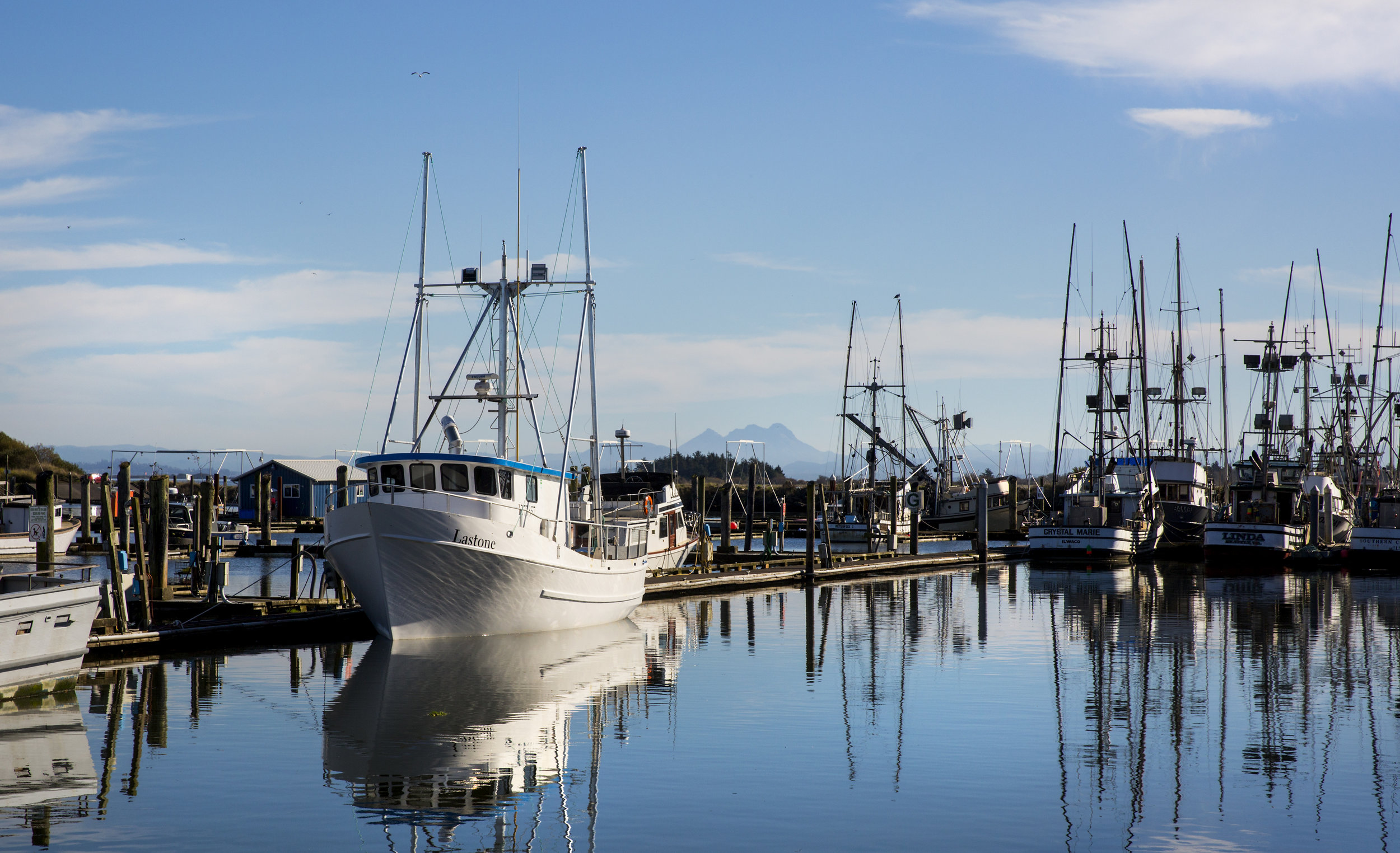 The Salt Hotel and Pub, located in the Port of Ilwaco, features scenic views of the fishing terminal, the west side of Cape Disappointment State Park, and of Baker Bay. (Sy Bean / Seattle Refined)