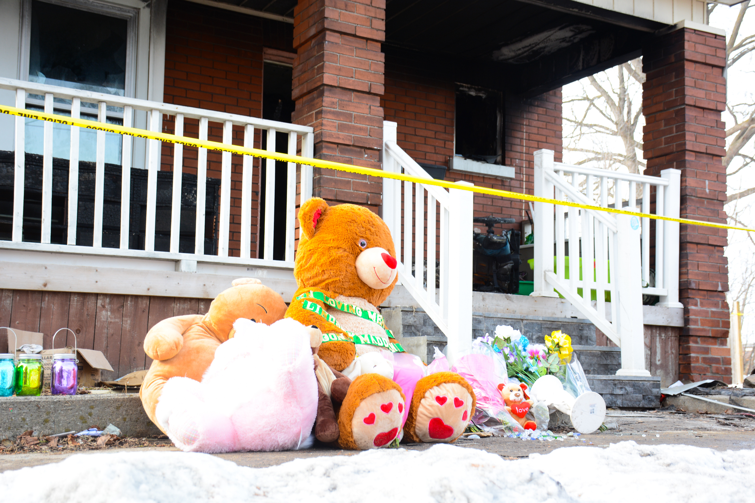 No working smoke alarms in deadly fire  -