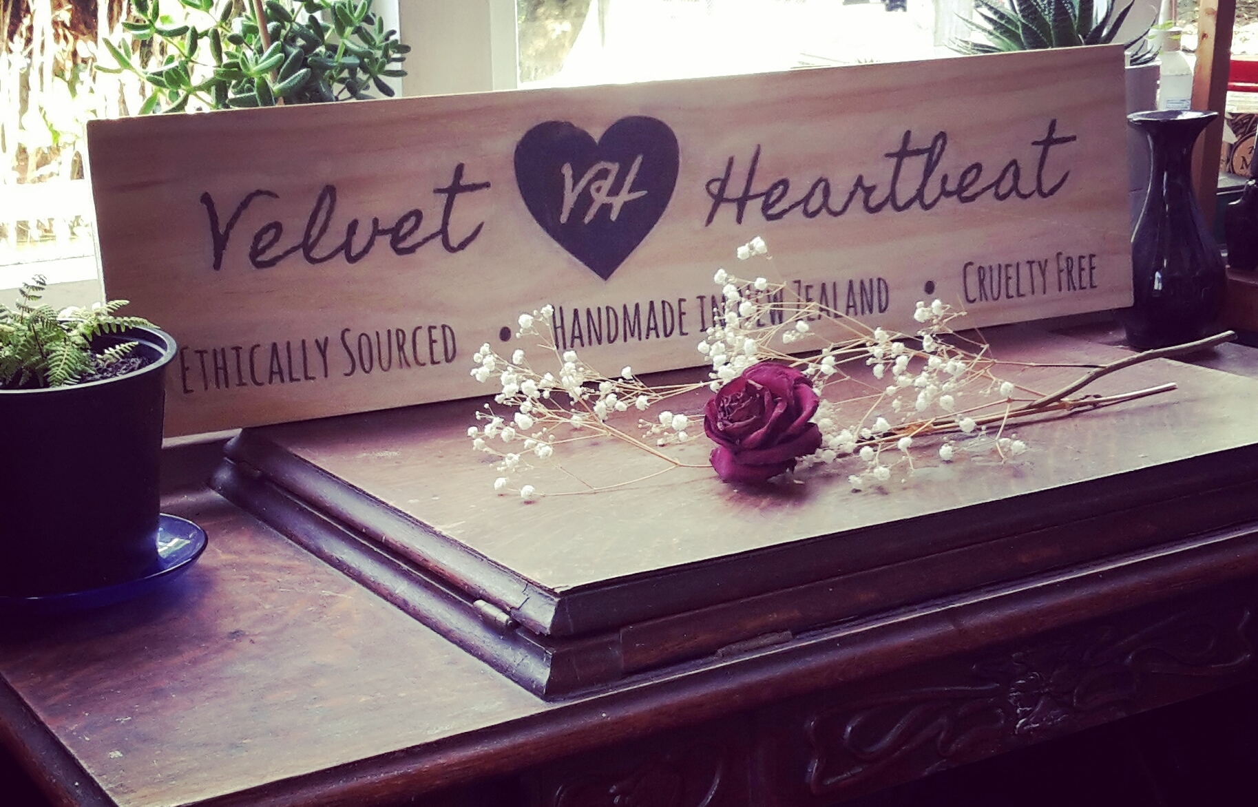 velvet-heartbeat-market-sign.jpg