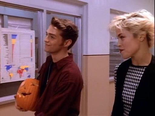 Beverly-Hills-90210-Season-2-Episode-13-2-07f8.jpg