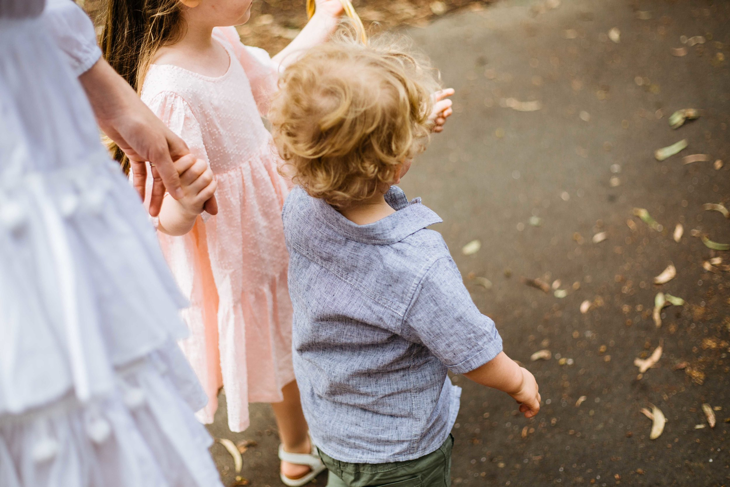 What to wear for family photos in spring