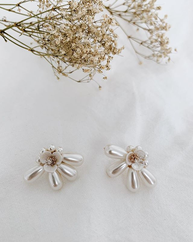Pre-order for Freshwater Droplet Ear Stud closes tomorrow, 18 Oct. Don't miss this gorgeous statement piece ✨✨ #incalmrepose