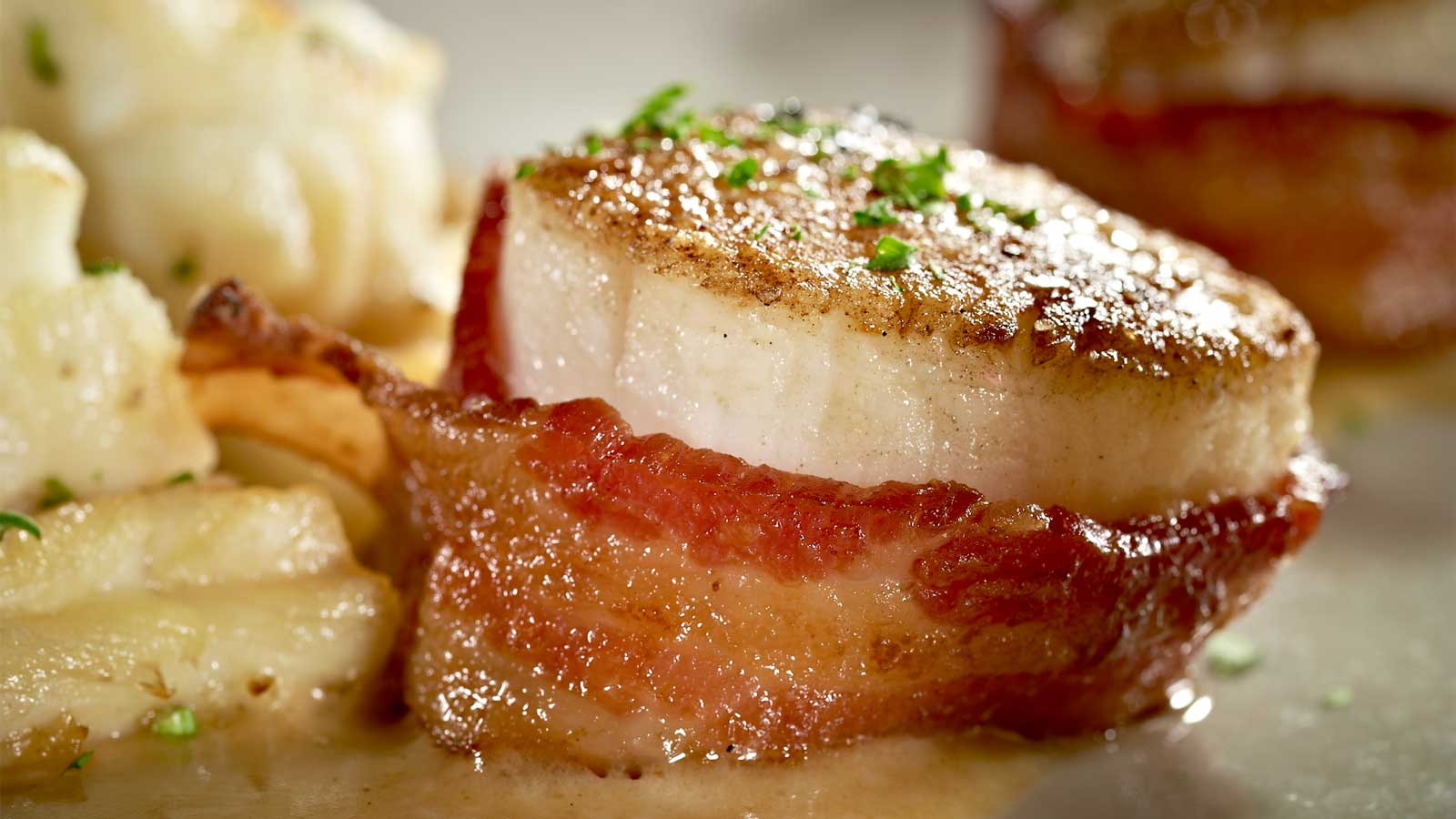 Mo's-scallop-with-bacon-scallops.jpg