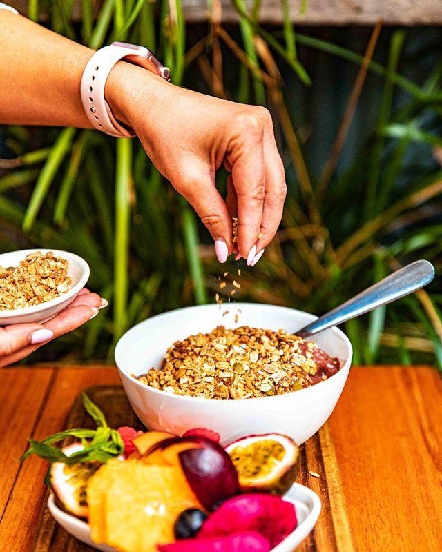 Station Tropical Acai.  Creamy Acai, selection of fresh fruits, homemade crunchy granola, chia seeds, shredded coconut and oven roasted buckwheat.  Also, it's vegan!  #vegan #veganfood #veganeats #whatveganseat #veganfoodie #veganfoodshare #healthylife #plantbased #plantbasedfood #veganbreakfast #veganmeal #crueltyfreefood #vegans #govegan #veganpower #vegansofinstagram #healthylifestyle #vegansofig #veganaf #sydneyfoodie #sydneyfood #foodie #breakfast #goodmorning #coffeetime #foodgram #sydneycafe
