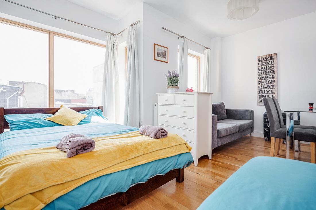 - FLAT 4 | 2 Bedrooms | 1 Bathroom