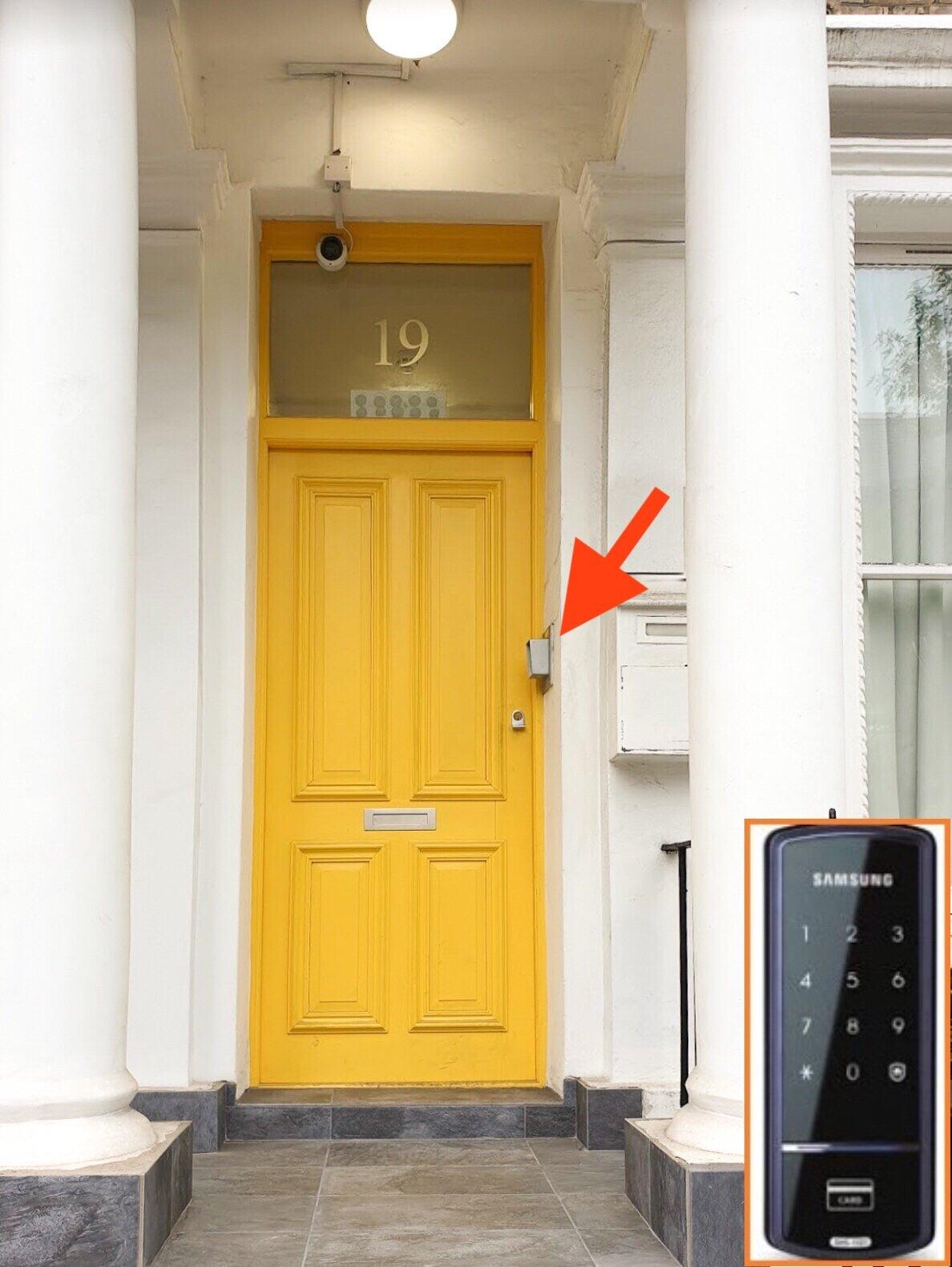 yellowfrontdoor.JPG